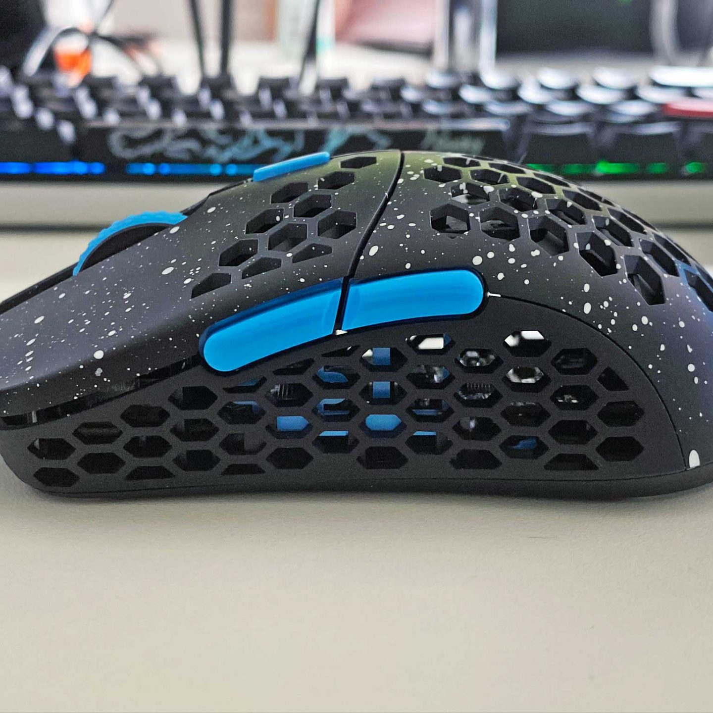 Hati-S light weight gaming mouse
